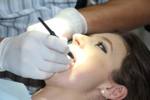 Abbiamo-bisogno-di-vari-altri-dentisti