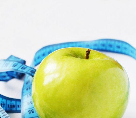 Un esperto nutrizionista sulla dieta piano di sviluppo nel far cadere il peso e anche nuovo di zecca piani